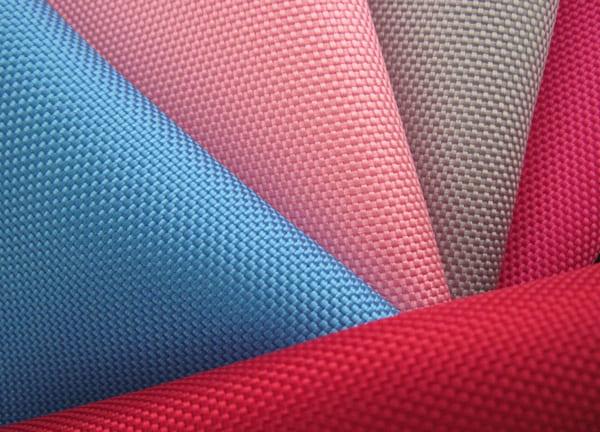 Sử dụng vải polyester may áo khoác có tốt không.